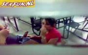 schoolmeisje worden geheimzinnig gefilmd bij het neuken