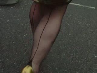 Fetish voor nylons, met naad.