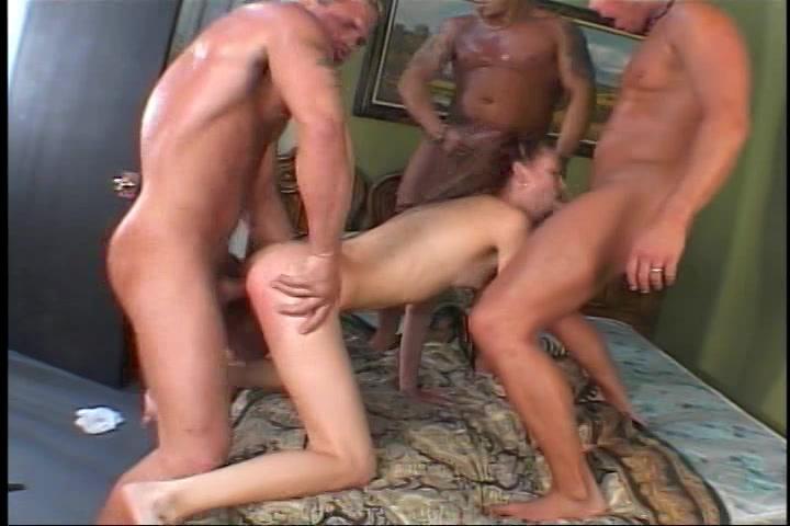 drie rijpe mannen karren een tiener moppie