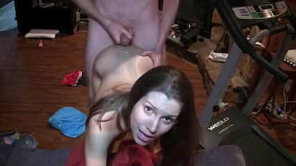 geil jong stel maakt zelf een amateur sex film