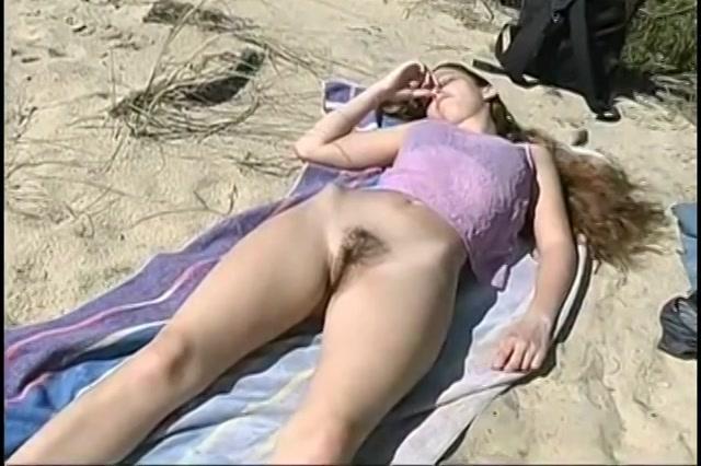 meisjes die hun naakte vagina laten zien