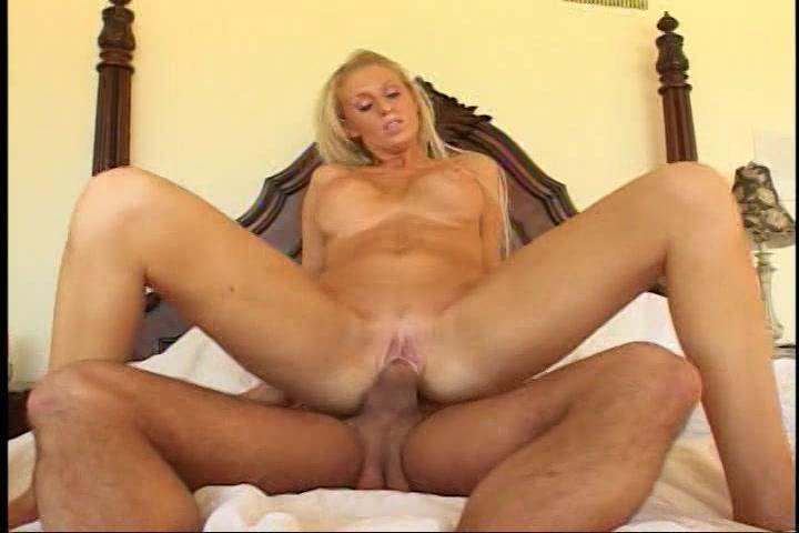 wellustige blonde mamma met een voorliefde voor rimmen