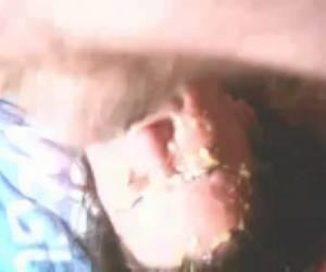 Extreem keelneuken laat haar braken